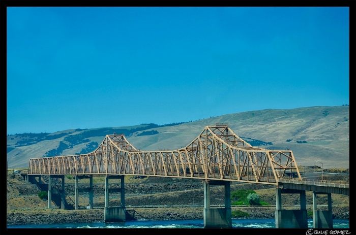 The Dalles Bridge (built in 1953) that crosses the Columbia River from Oregon to Washington.
